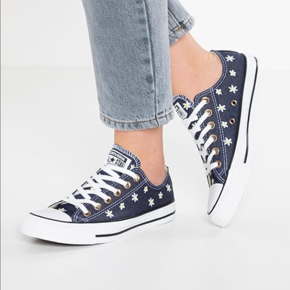 cd56b1eaaf82 Chuck Taylor All Star Denim Floral Sneakers NEW